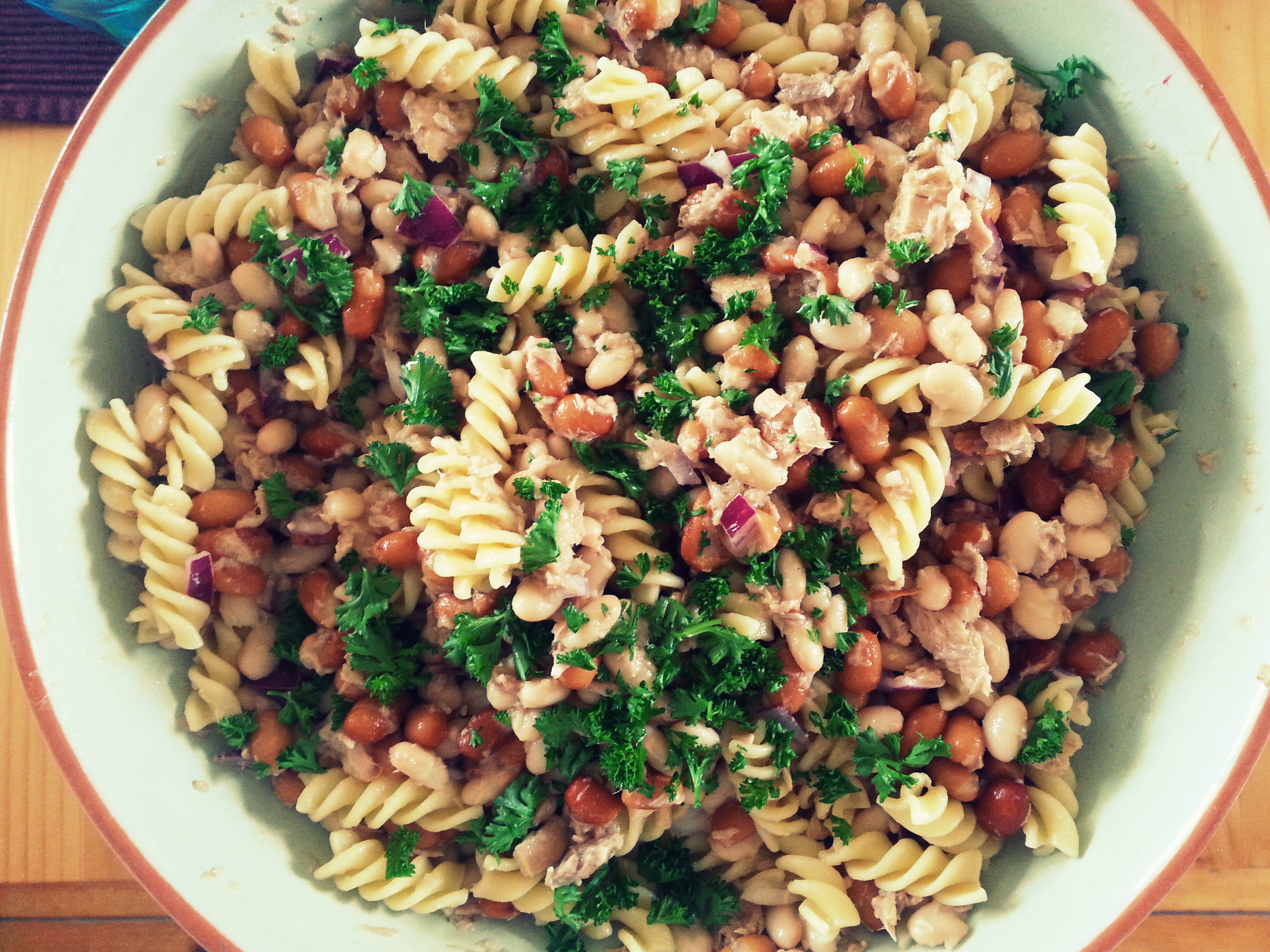 bean tuna salad with parsley